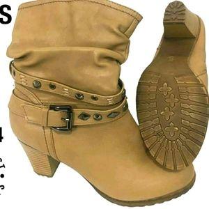 🥾Tan boots